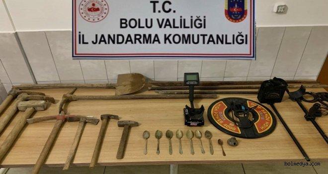 Bolu İl Jandarma Kaçak Kazı Malzemeleri Ele Geçirdi
