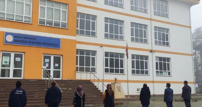 Mengen'de Pazartesi Gününe İstiklal Marşı Okuyarak Başladı