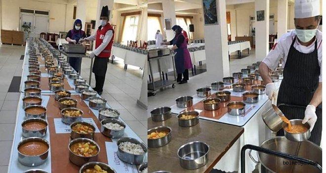 Turizm Otelcilikten Her Gün 800 İhtiyaç Sahibine İftar Yemeği