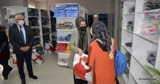 Yardımlaşma Çarşısı'ndan Muhtaç Ailelere Yardım